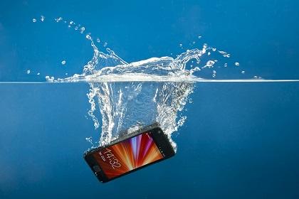 Dacă ți-a căzut telefonul în apă și nu ai un model rezistent la apă, trebuie să iei măsuri rapide ca să îl poți salva. Mai jos am adunat o listă […]